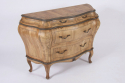 Bombe Commode - picture 2