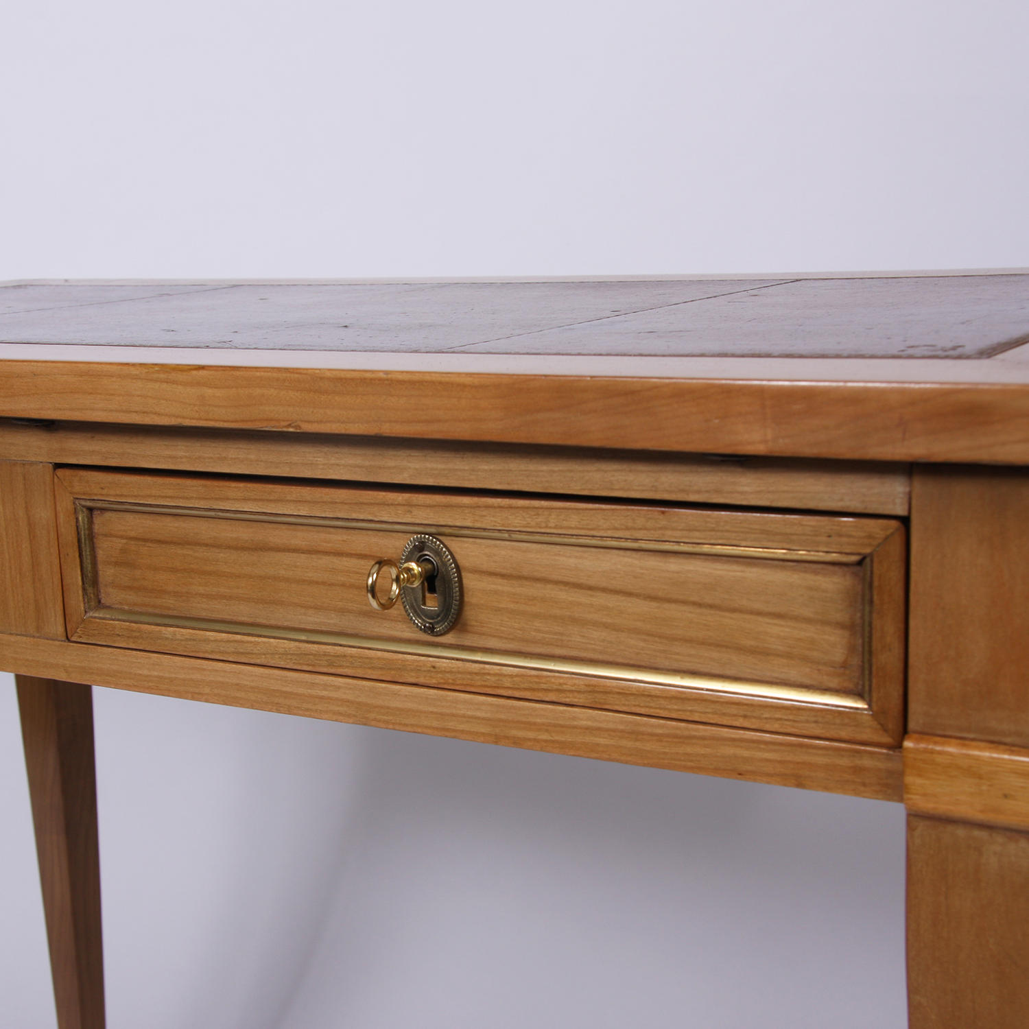 Small Leather Topped Desk Picture 4