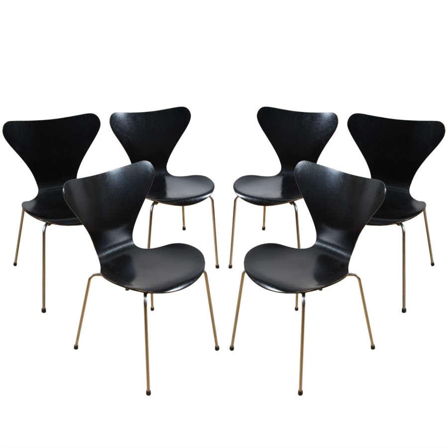 Set of 6 Black Chairs, Arne Jacobsen for Fritz Hansen