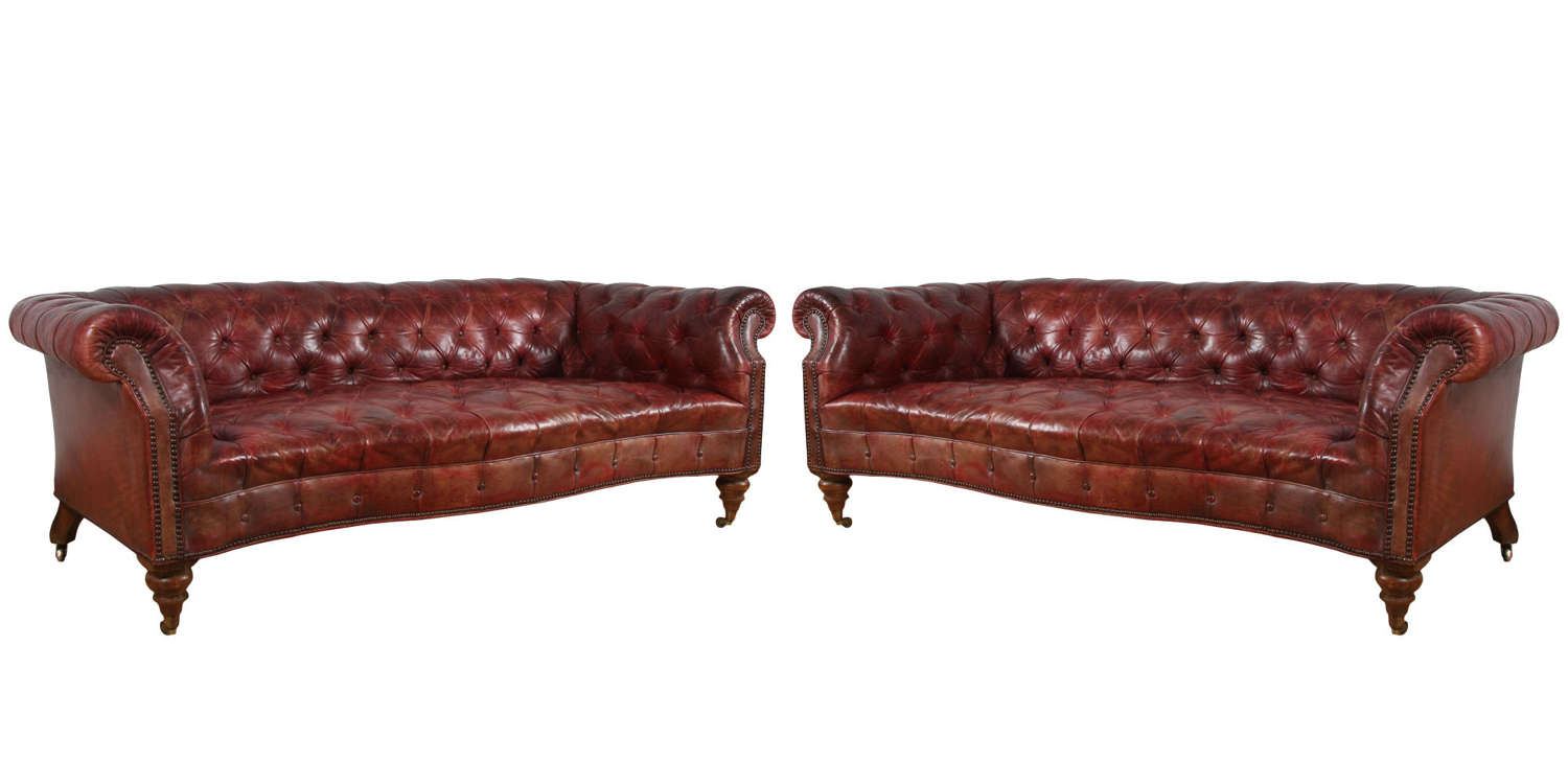 Pair of English Early 20th Century Chesterfield Sofas